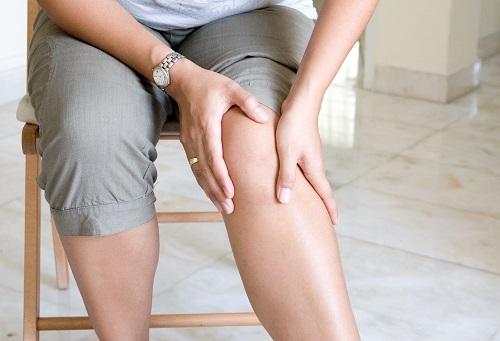boli-v-kolenyah