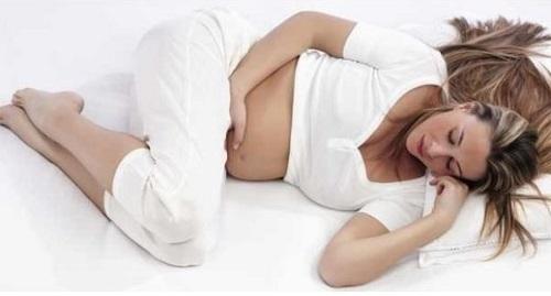 При беременности боли между ног